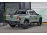 Защитная дуга для Toyota HiLux в кузов пикапа, цвет черный (возможна установка с трехсекционной крышкой), изображение 4