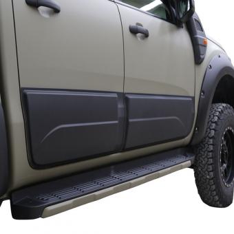 Комплект боковых накладок для Ford Ranger T6 из 4 частей (цвет черный, пластик ABS)