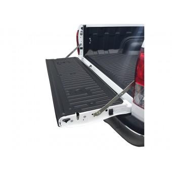 Пластиковая накладка для Fiat Fullback на откидной борт пикапа (без сверления, установка на штатные болты)