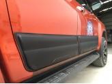 Комплект боковых накладок для Toyota HiLux (Revo) из 6 частей (цвет черный, пластик ABS), изображение 4