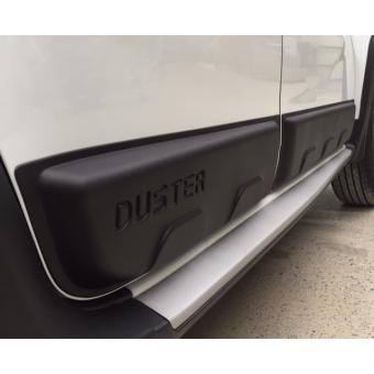 Комплект боковых накладок для Renault Duster из 4 частей (цвет черный, пластик ABS)