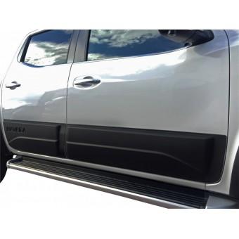Комплект боковых накладок для Nissan Navara D 40 (цвет черный, пластик ABS)