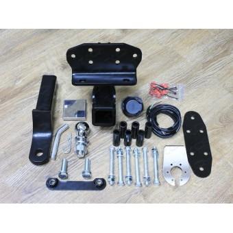 Фаркоп для Toyota Landcruiser 200 (провода, розетка, декоративная заглушка, чехол для крюка)