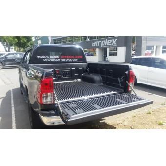 Вкладыш с бортом для Toyota HiLux в кузов для а/м с двойной кабины (2006-2014)