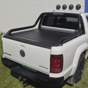"""Крышка на Volkswagen Amarok ROLL-ON"""" цвет черный для комплектации Canyon (электростатическая покраска, устанавливается с ориг. дугой)"""