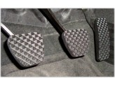 Комплект алюминиевых накладок на педали,цвет черный.