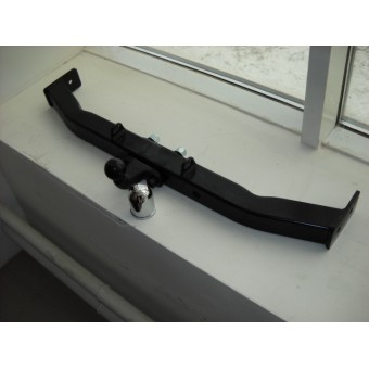 Фаркоп (масса прицепа 1500 кг, крюк торцевой на двух болтах, открытая балка, подрезки бампера не требуется)