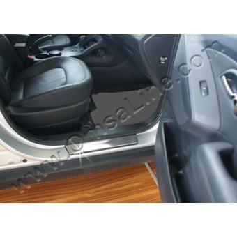 Хромированные накладки для Hyundai iX 35 на дверные пороги с логотипом (нерж.) 4 шт.