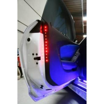 Светодиодная лента для Chevrolet Camaro на двери (свет синий)