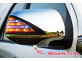 Хромированные накладки на зеркала Toyota HiLux с светодиодными фонарями
