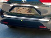 Хромированная накладка для Toyota Sienna на нижнюю кромку задней двери