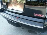 Хромированная накладка для Chevrolet Tahoe на нижнюю кромку крышки багажника