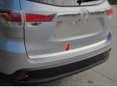 Хромированная накладка для Toyota Highlander на нижнюю кромку задней двери полир. нерж. сталь