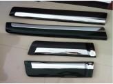 Комплект боковых молдингов из 4-х частей, цвет черный, пластик ABS